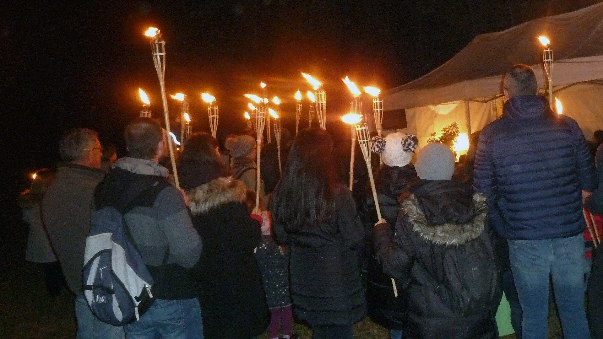 Une marche nocturne illuminée