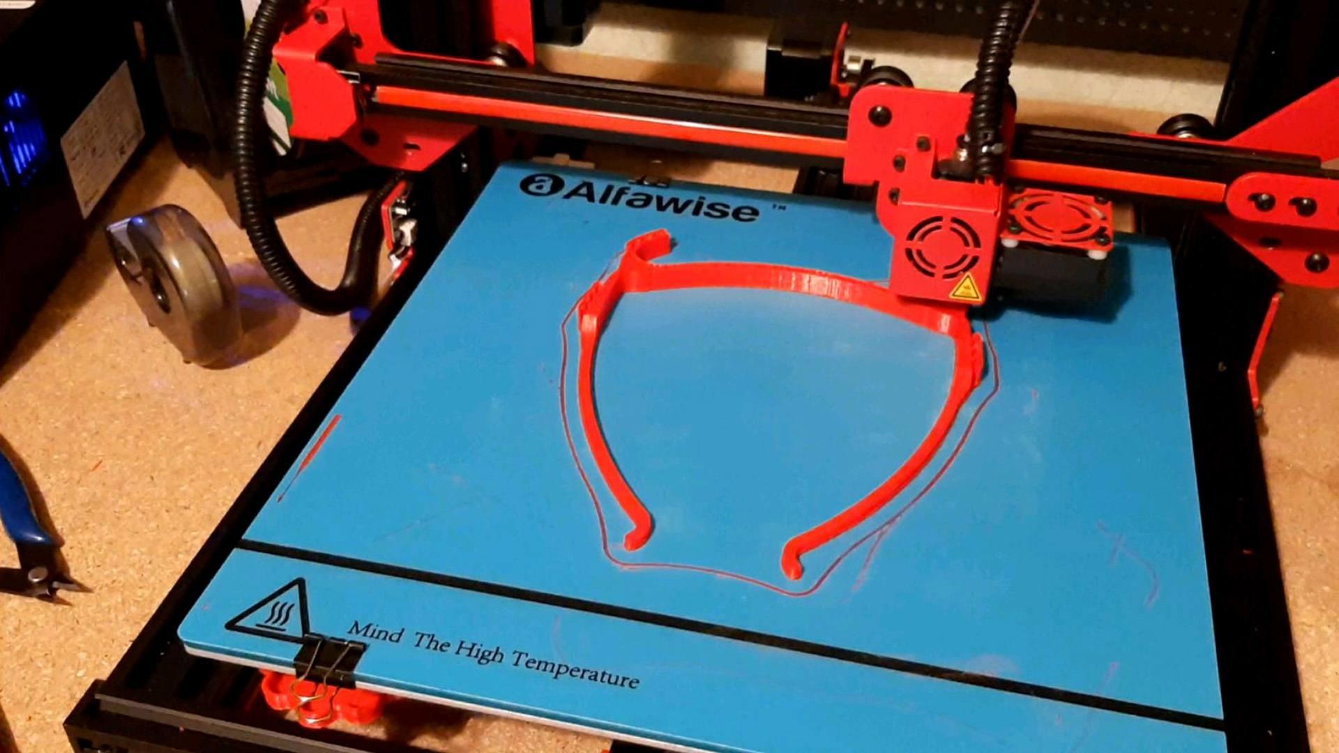 Technistub et les Makers s'engagent dans la fabrication de masques à visière