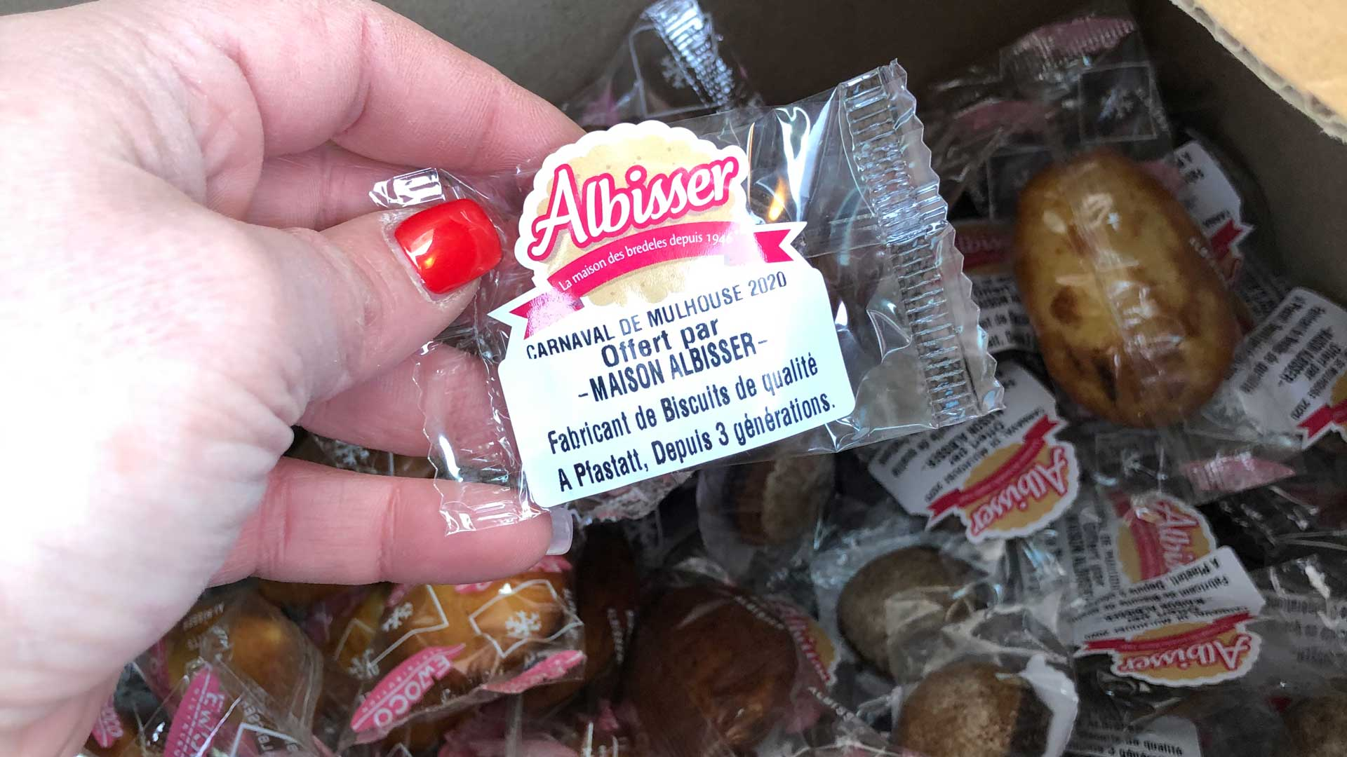Les biscuits des carnavals donnés aux soignants !