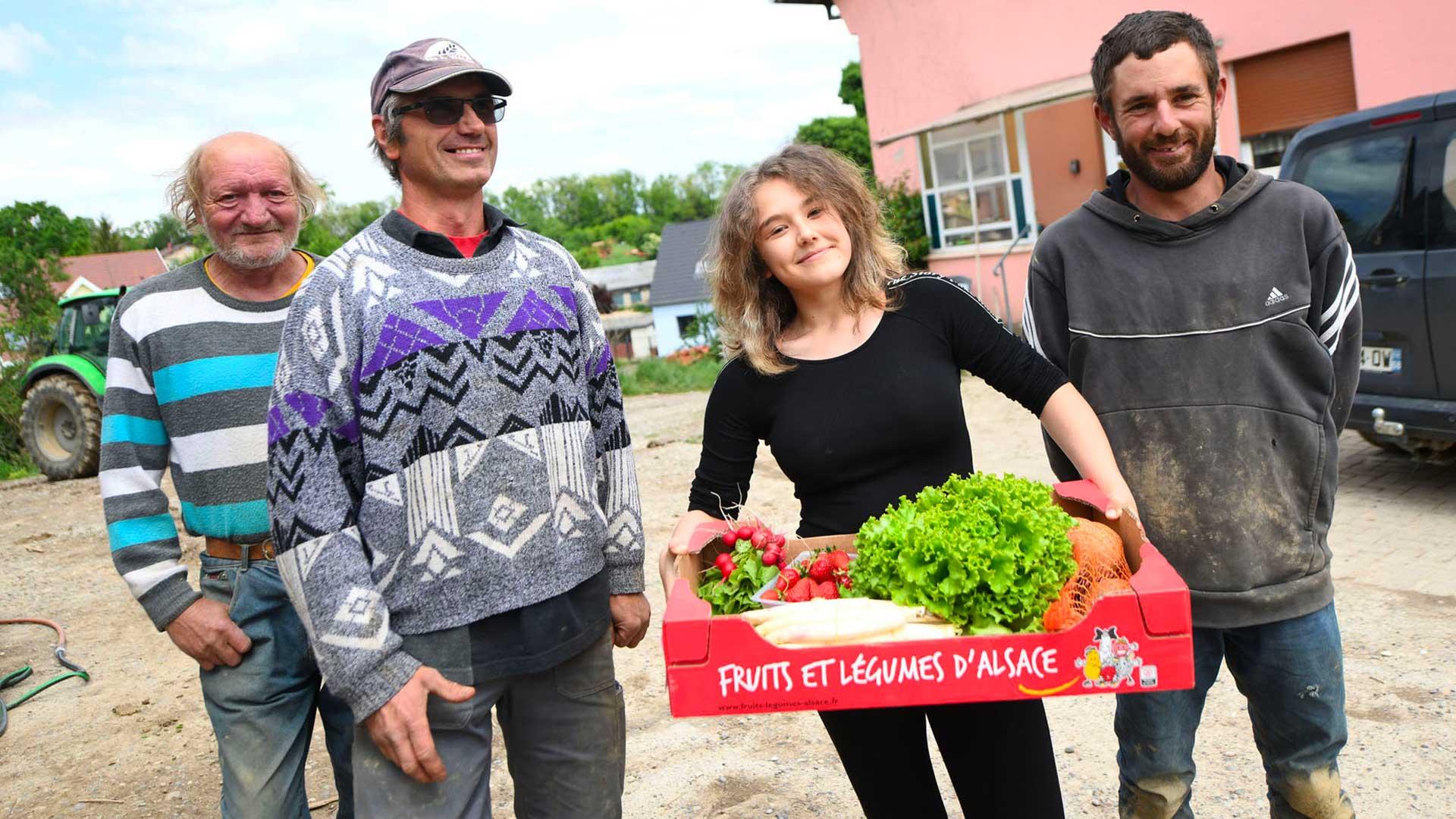 Éric Roellinger, sa fille Océane et son équipe, Jérome et Franz