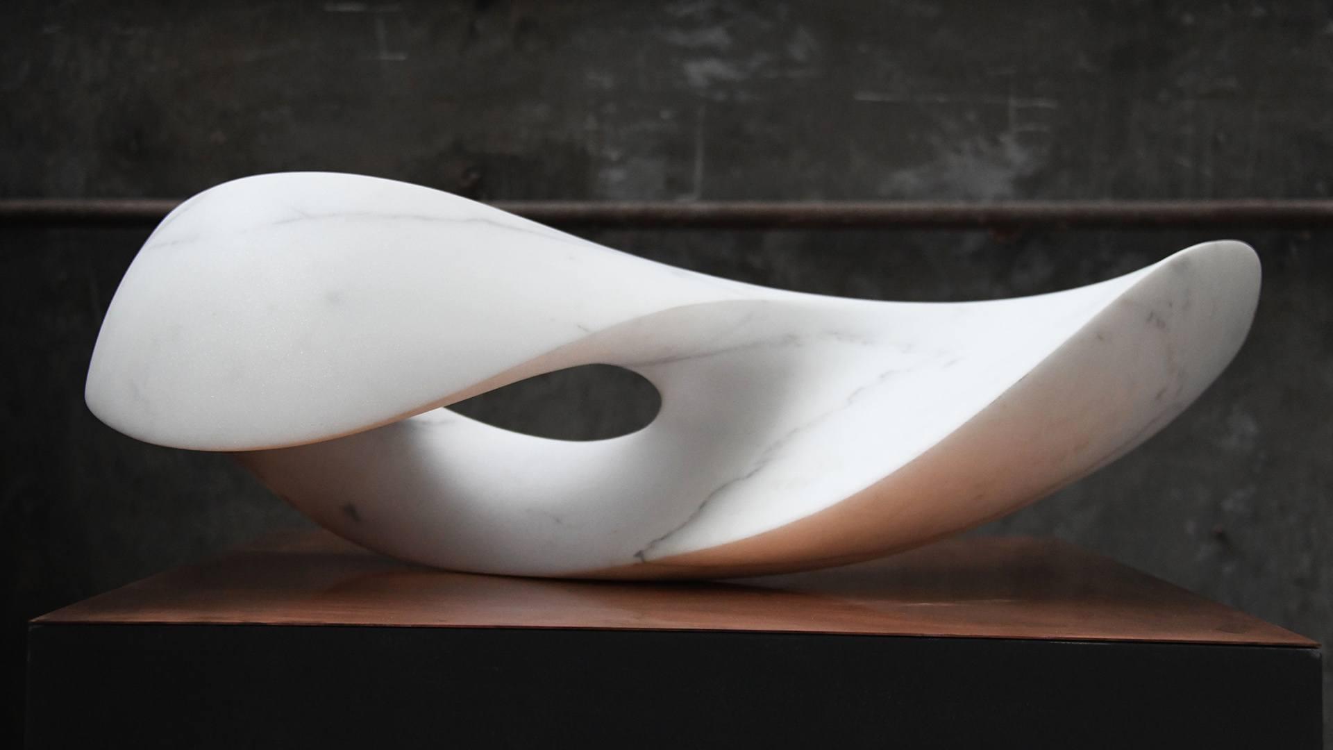 Barbara Schnetzler sculpter la vie : oeuvre en marbre