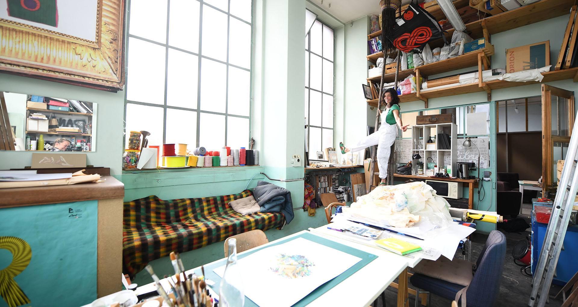 Laurence Mellinger l'écologie au coeur : Laurence Mellinger dans son atelier à Motoco