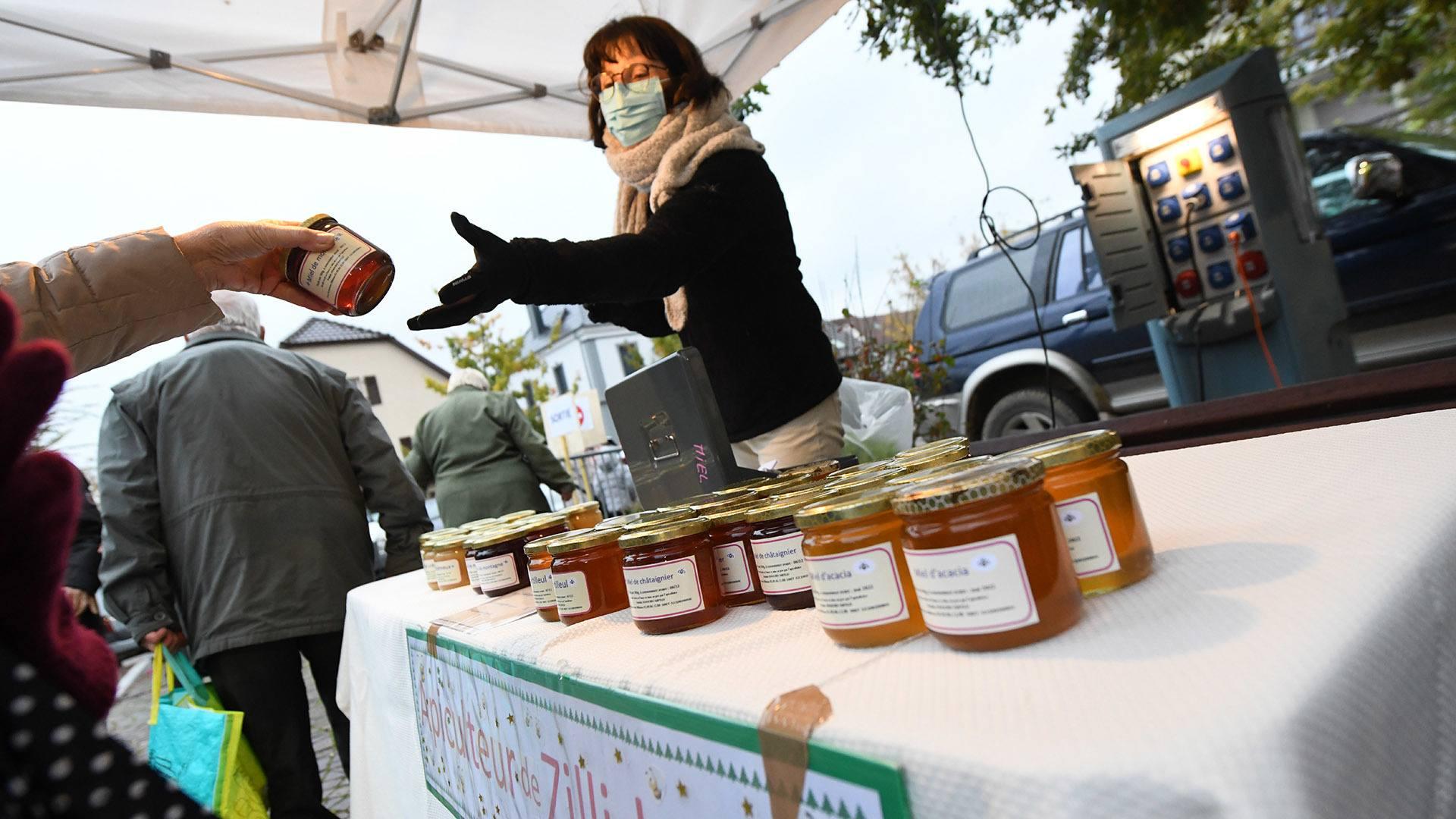 Zillisheim un nouveau marché de producteurs : Des miels produits à Zillisheim