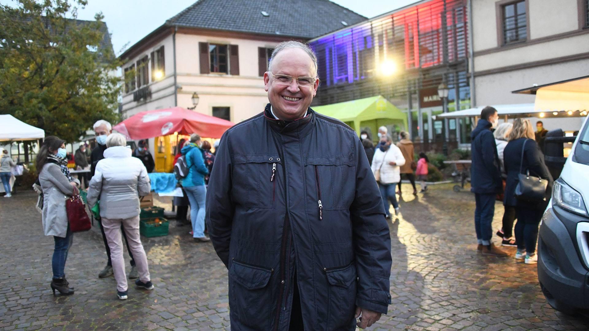 Zillisheim un nouveau marché de producteurs : Michel Laugel en plein marché