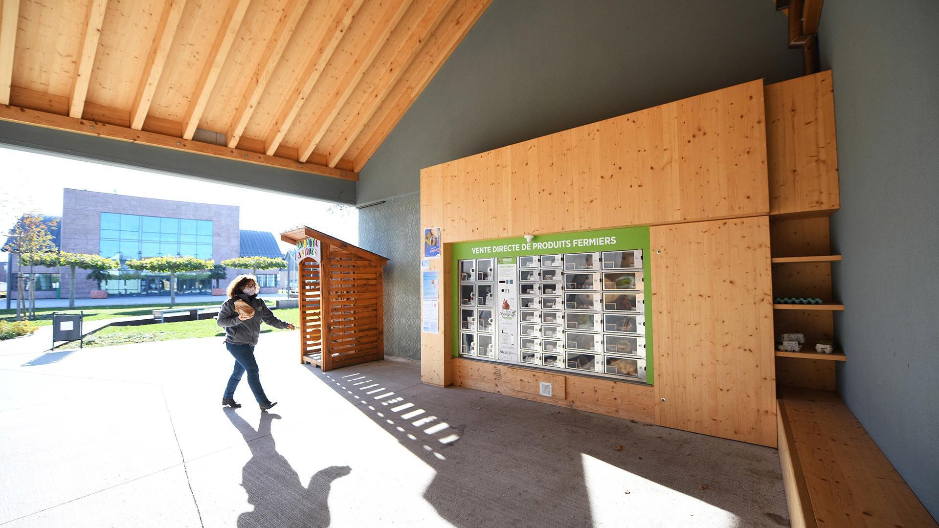 Du panier au casier fraicheur : Le distributeur de la ferme Sutter en face de la mairie