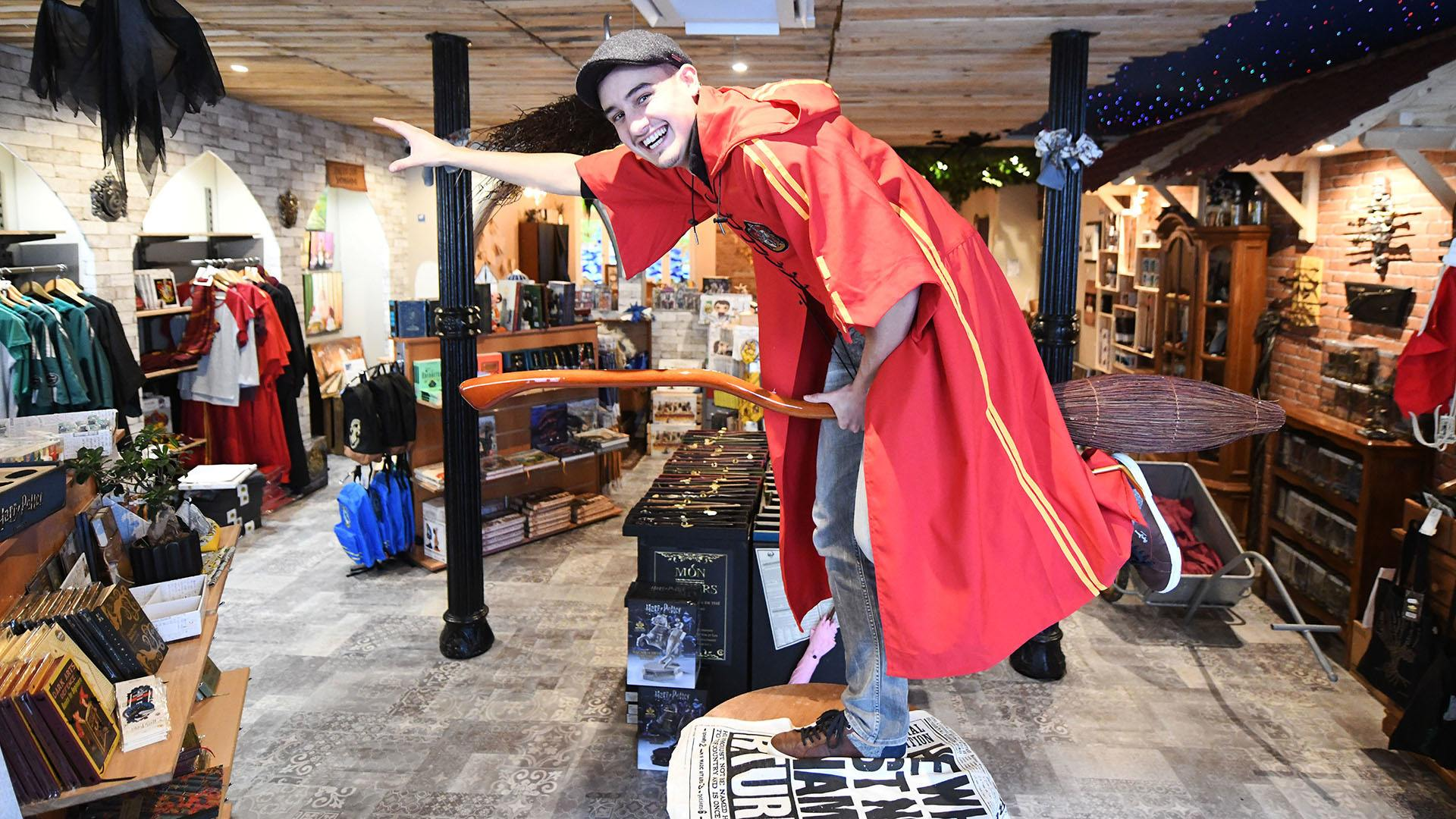 Mon Univers Harry Potter à Mulhouse : Tom Stocker gérant de Mon Univers