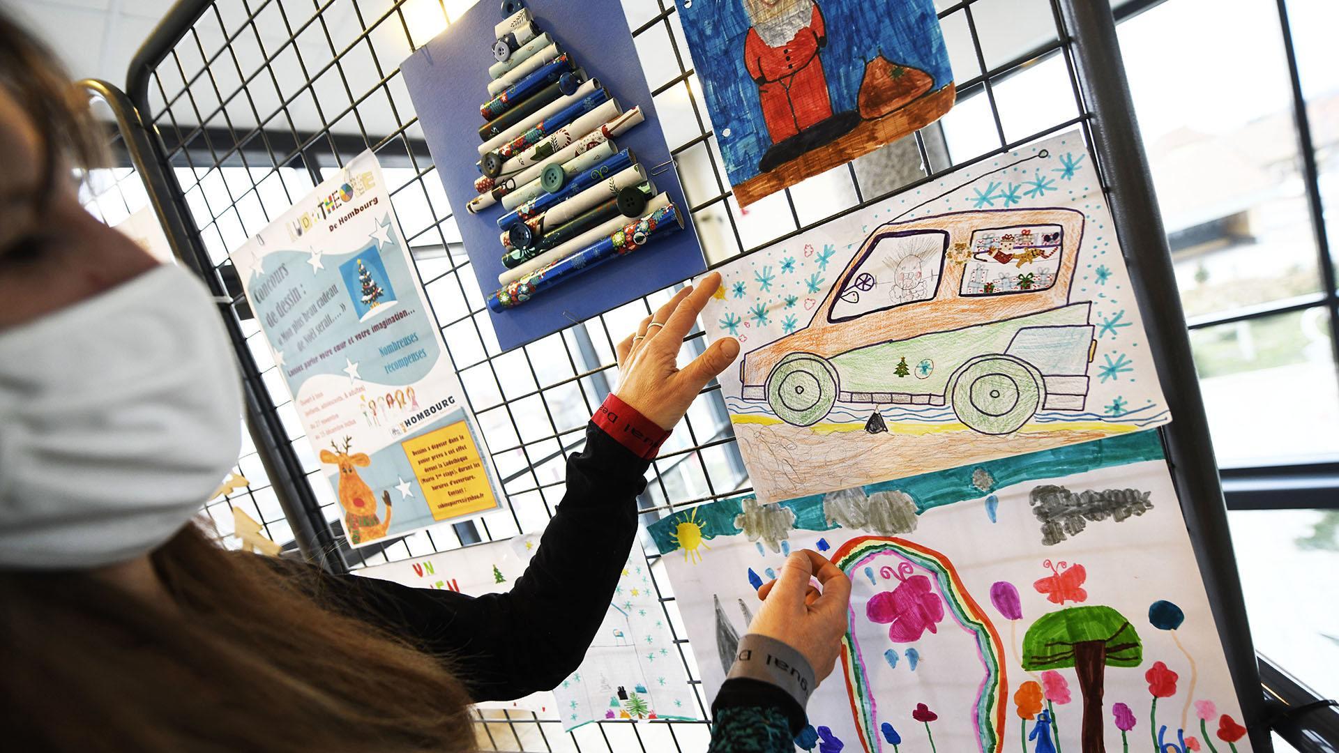 Hombourg : dessiner avec la ludothèque : les premiers dessins sont déjà affiché