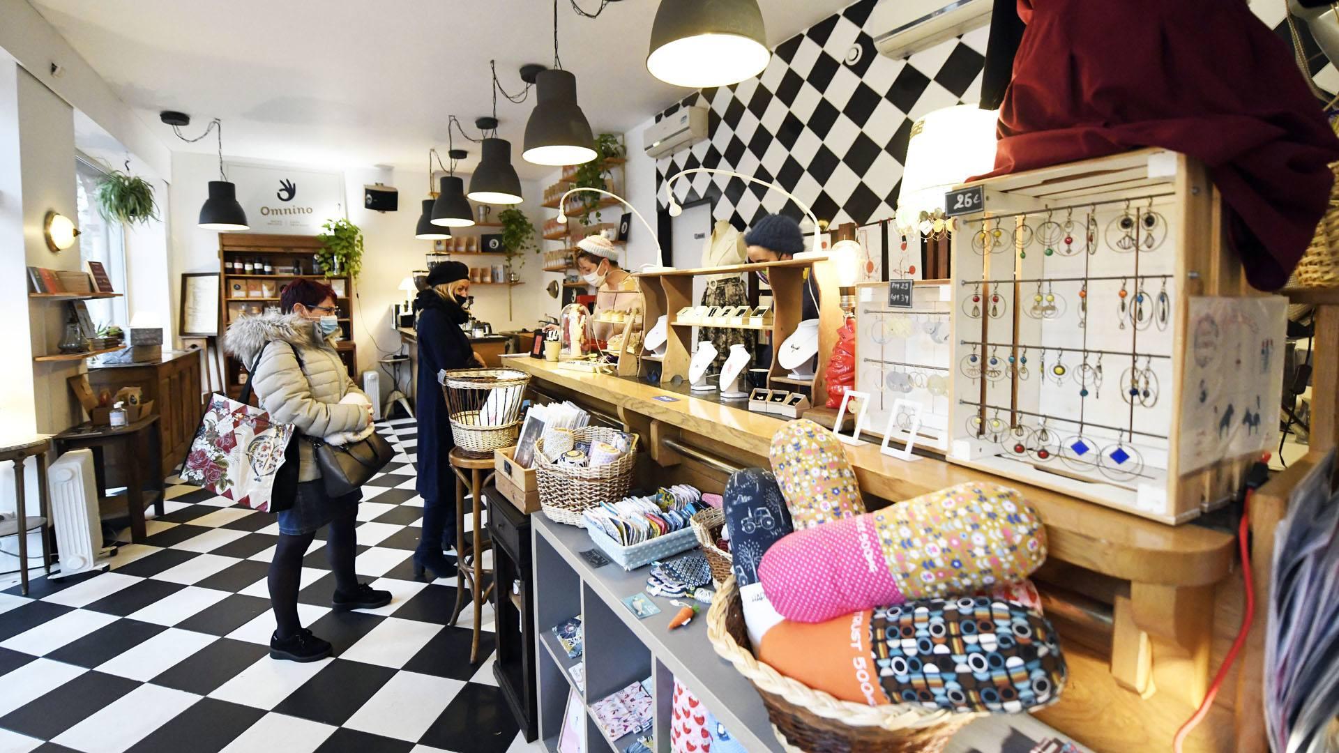 Un artichaut et des Etoiles sous le sapin : la boutique éphémère partage ses locaux avec Omnino