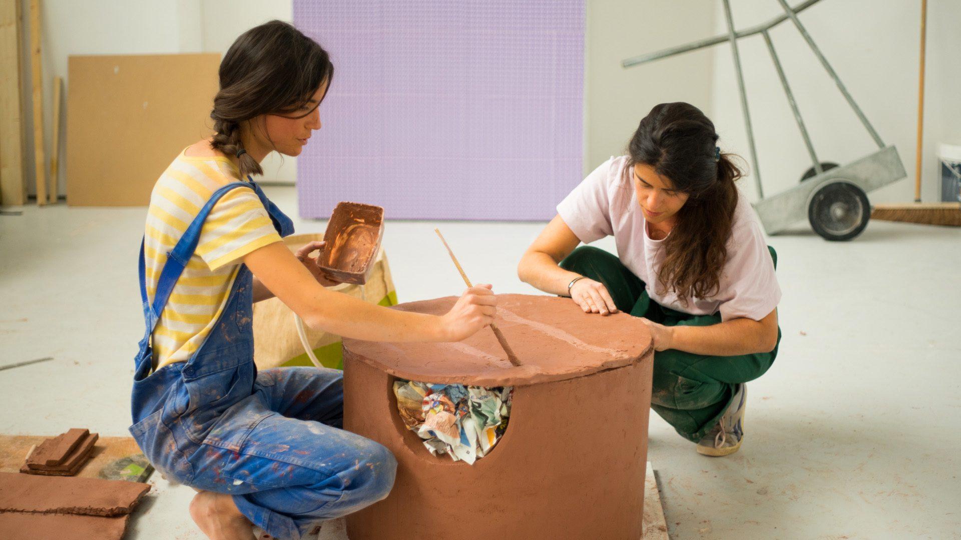 Un « Bouillons » de créativité : la terre des céramiques vient d'Alsace et d'Allemagne
