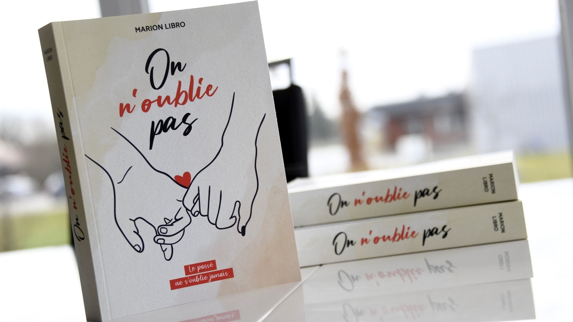 Marion Libro auteure et blogueuse littéraire : on n'oublie pas de marion libro