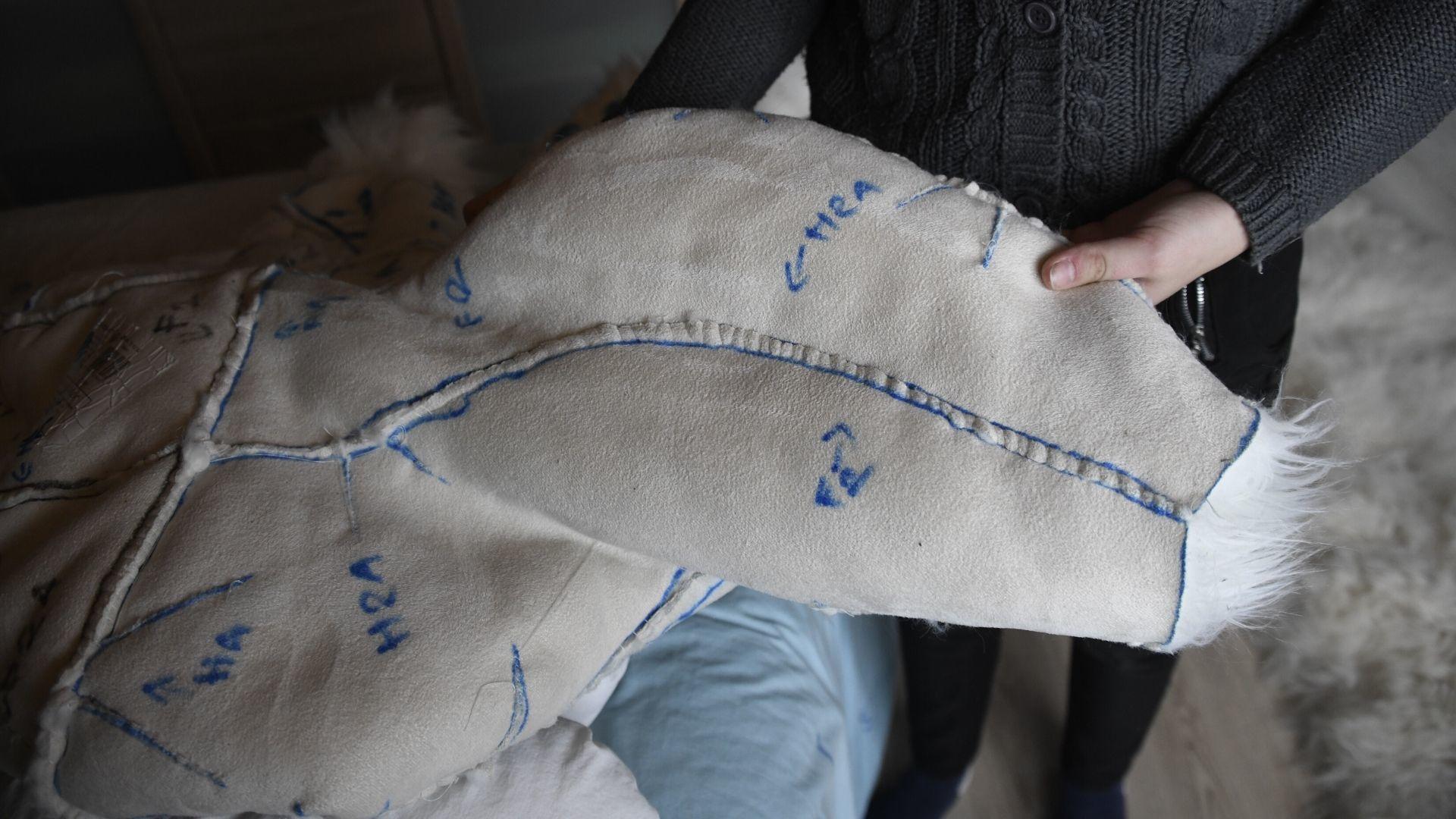 Ottmarsheim Judith Baechel 15 ans est fursuit maker : 30 jours de confection du costume