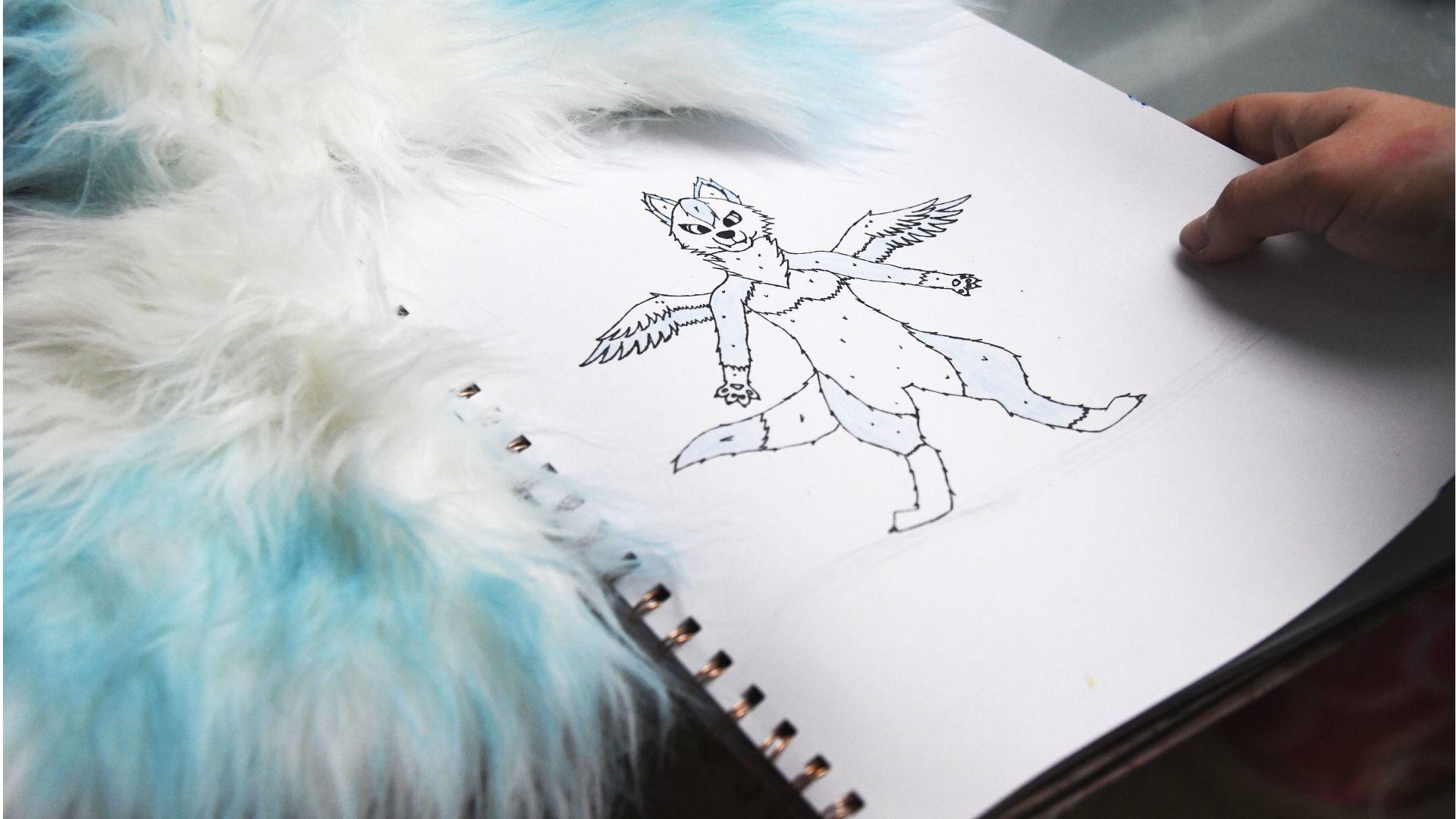 Ottmarsheim Judith Baechel ans est fursuit maker : la naissance d'Inkia sur papier