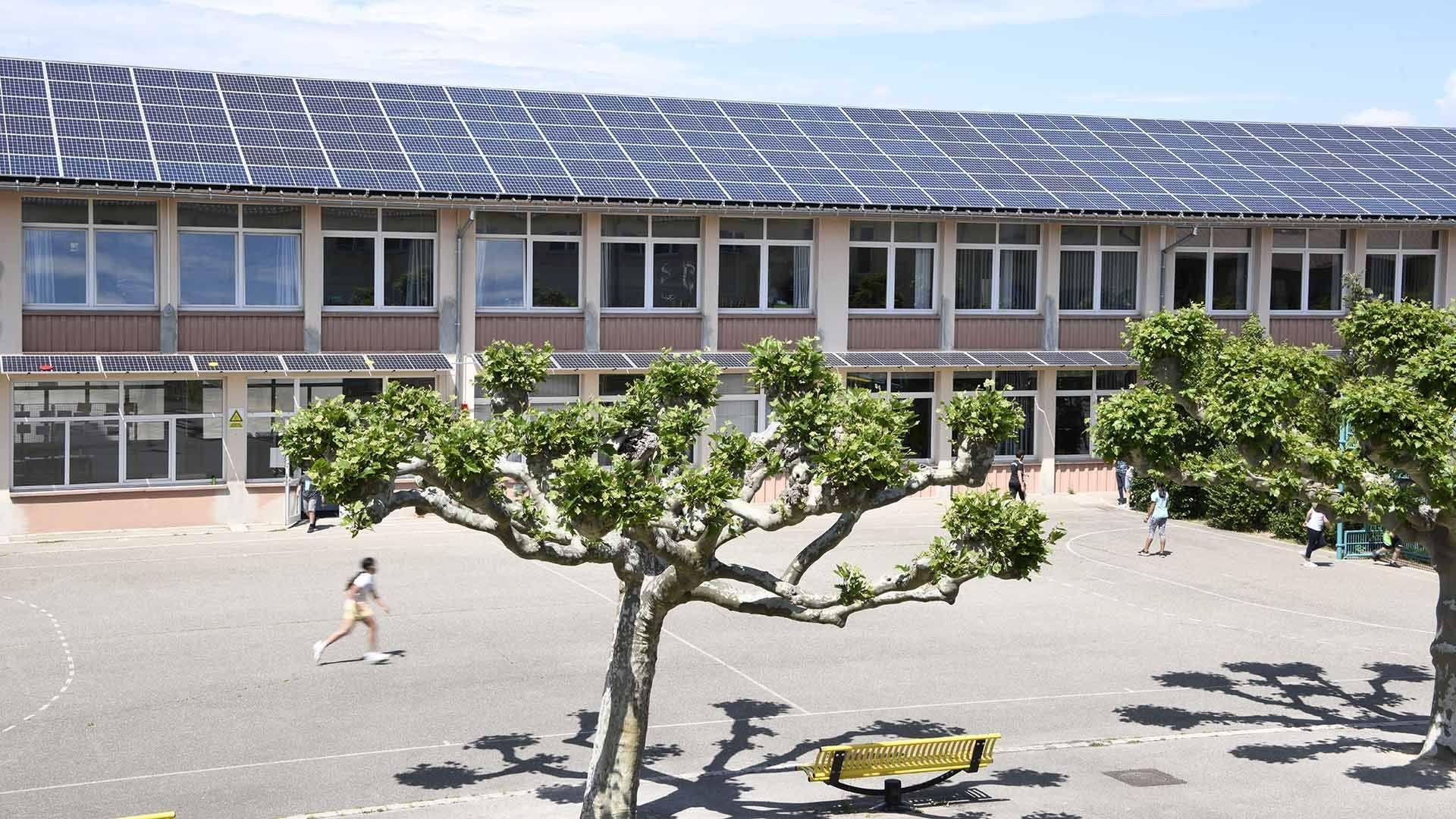 Kingersheim un toit solaire sur l'école du Centre : La centrale est en service depuis le 30 avril