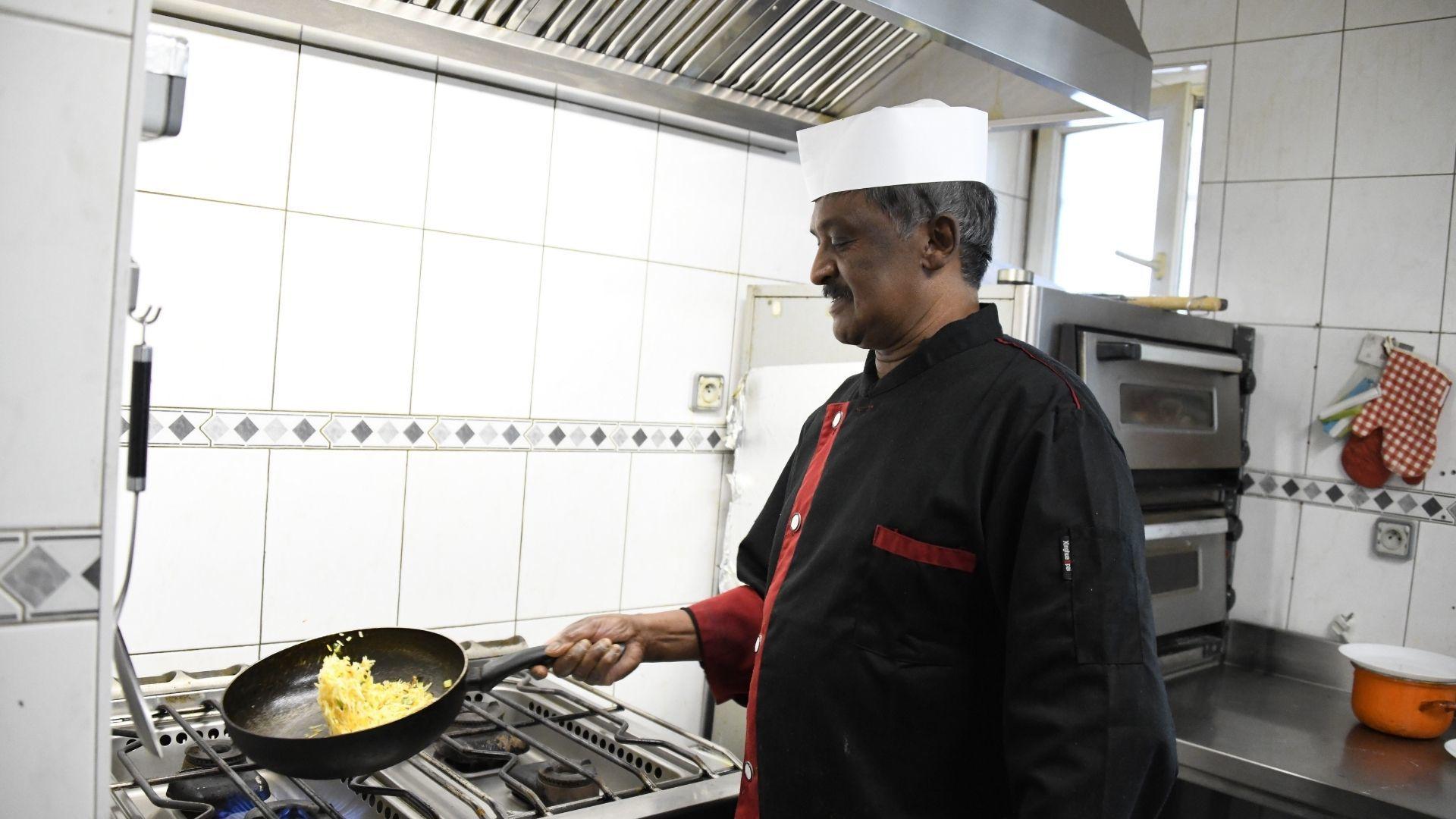 Sing cuisine indienne un restaurant familiale à Lutterbach : Le chef à l'oeuvre