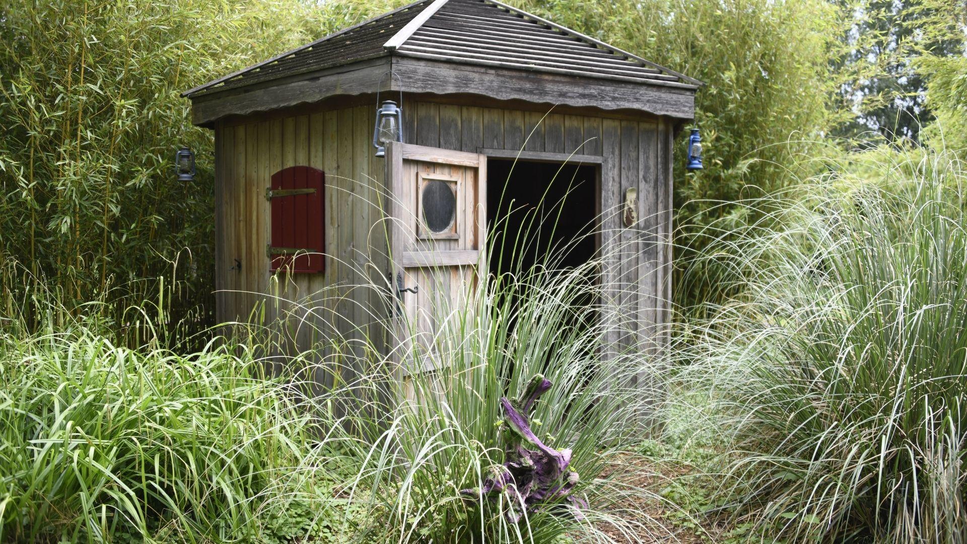 La cabane gardée par les nains au Jardin du temps à Illzach