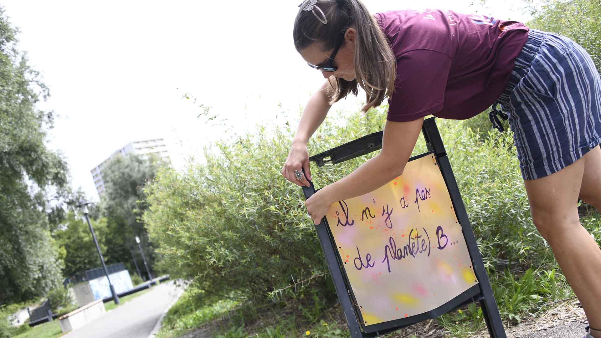 Aux Coteaux les poubelles vous interpellent - Transmettre un message incitatif